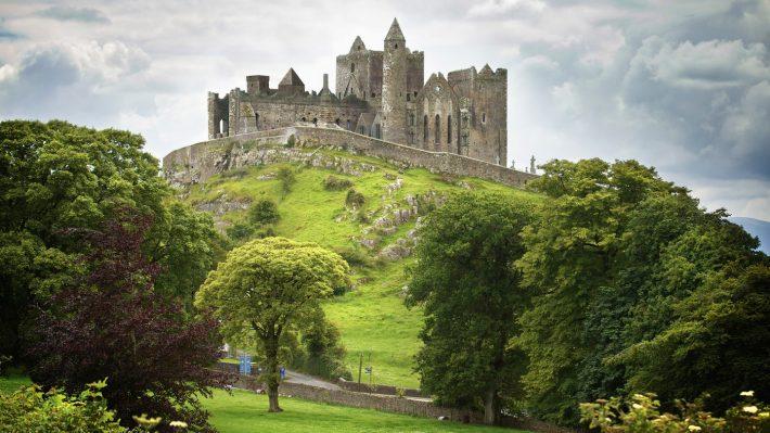 Rock-Of-Cashel-GettyImages-165559826